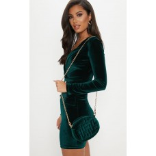 PrettyLittleThing Green Velvet Quilted Oval Cross Body - Green - Womens Jeans CLY9647
